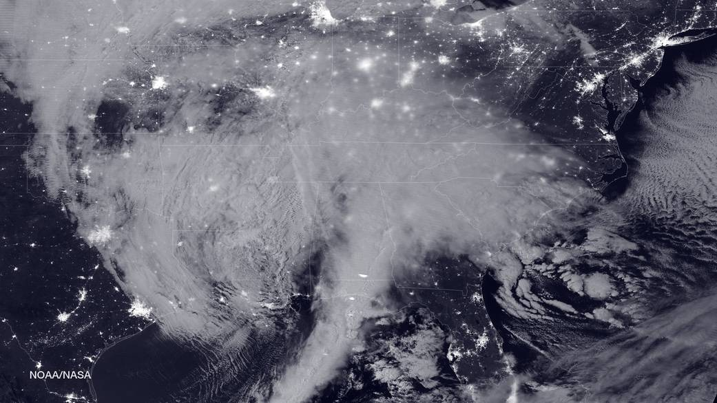 Figure 1 - Night image of blizzard bearing down on the East coast of the United States NASA-NOAA's Suomi NPP satellite snapped this image of the approaching blizzard around 2:35 a.m. EST on Jan. 22, 2016 using the Visible Infrared Imaging Radiometer Suite (VIIRS) instrument's Day-Night band. Credit NOAA/NASA.