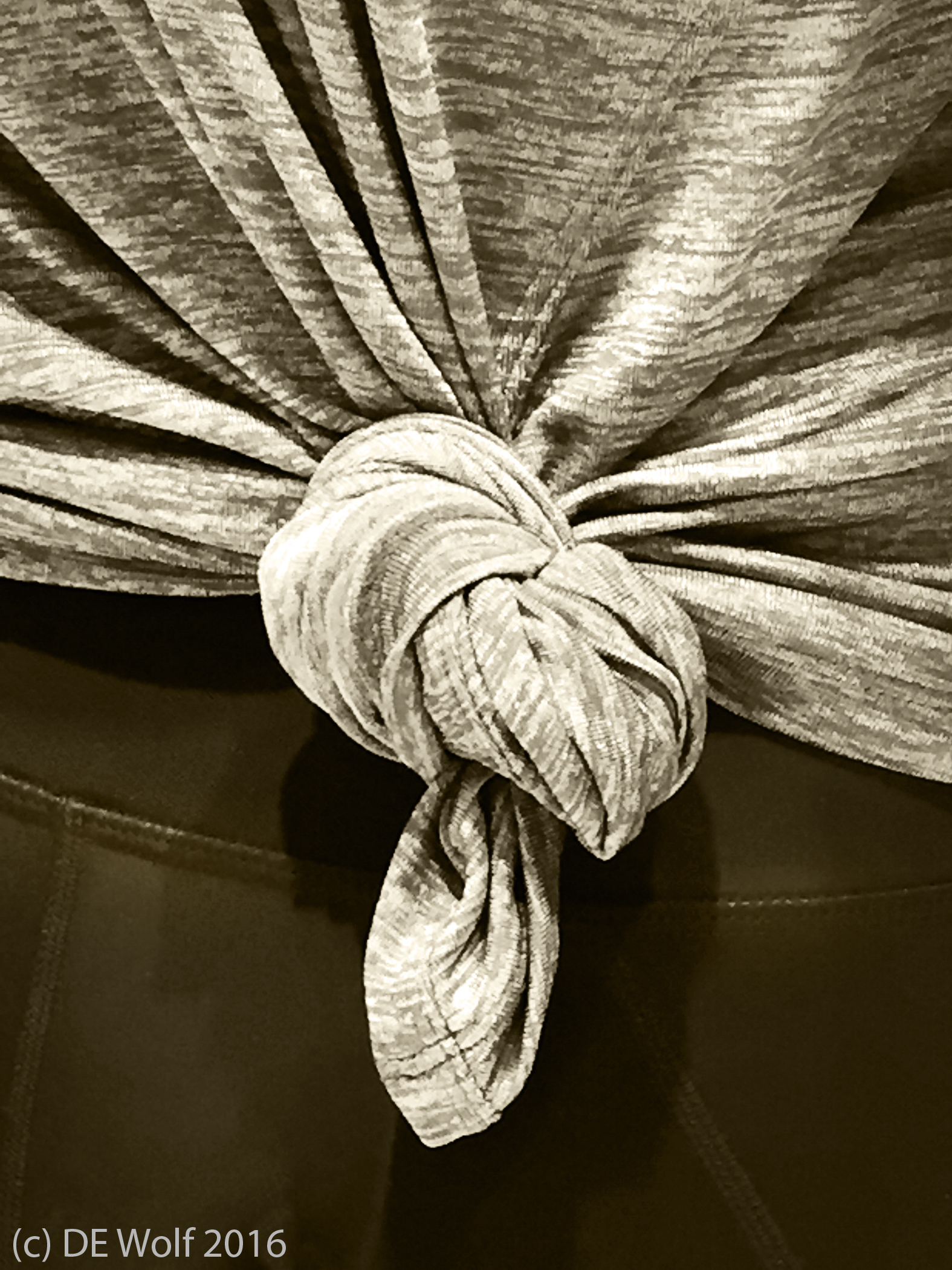 Figure 1 - Bunched cloth, IPhone photograph. (c) DE Wolf 2016.